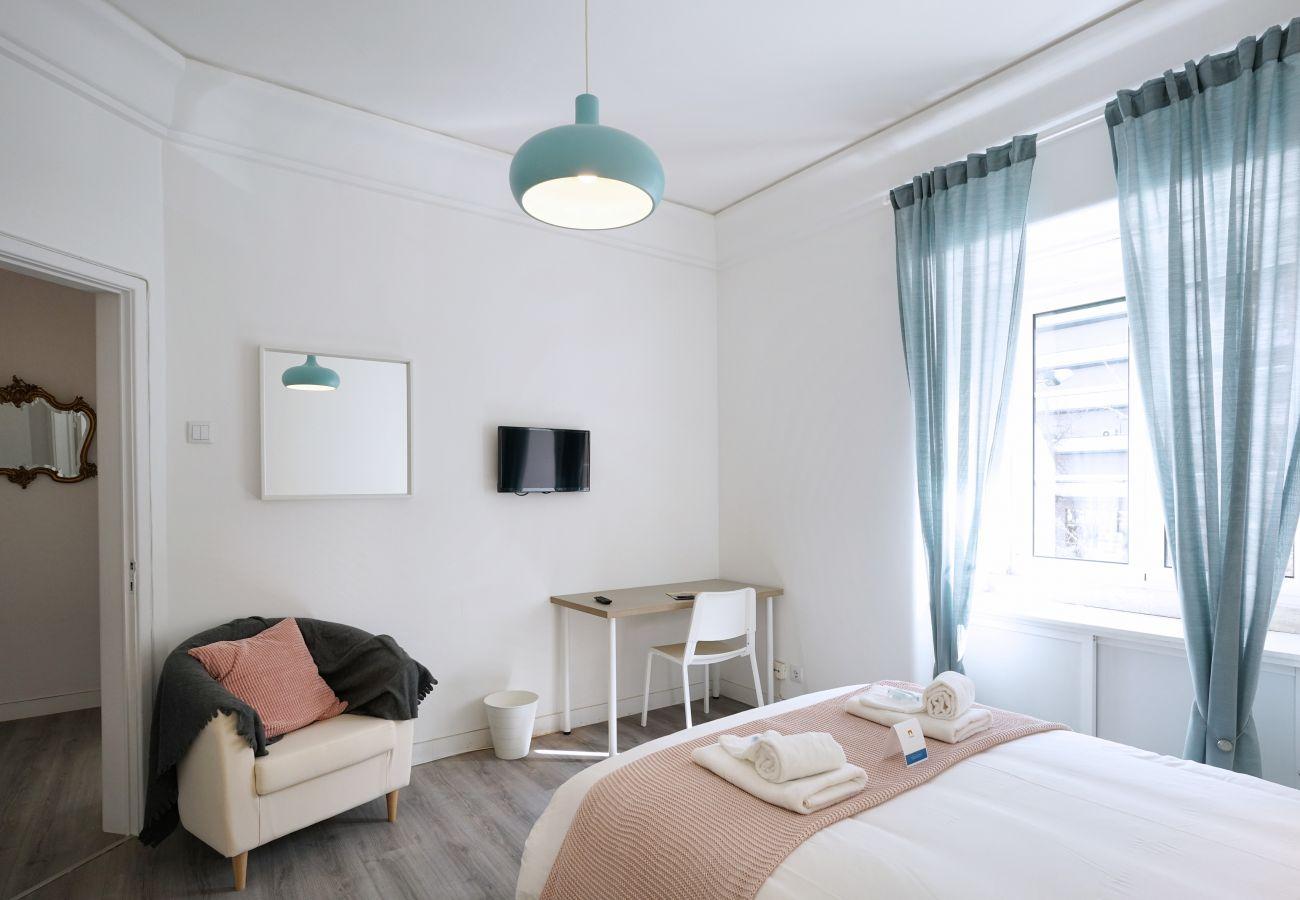 Quarto completo em apartamento em pleno centro de Lisboa