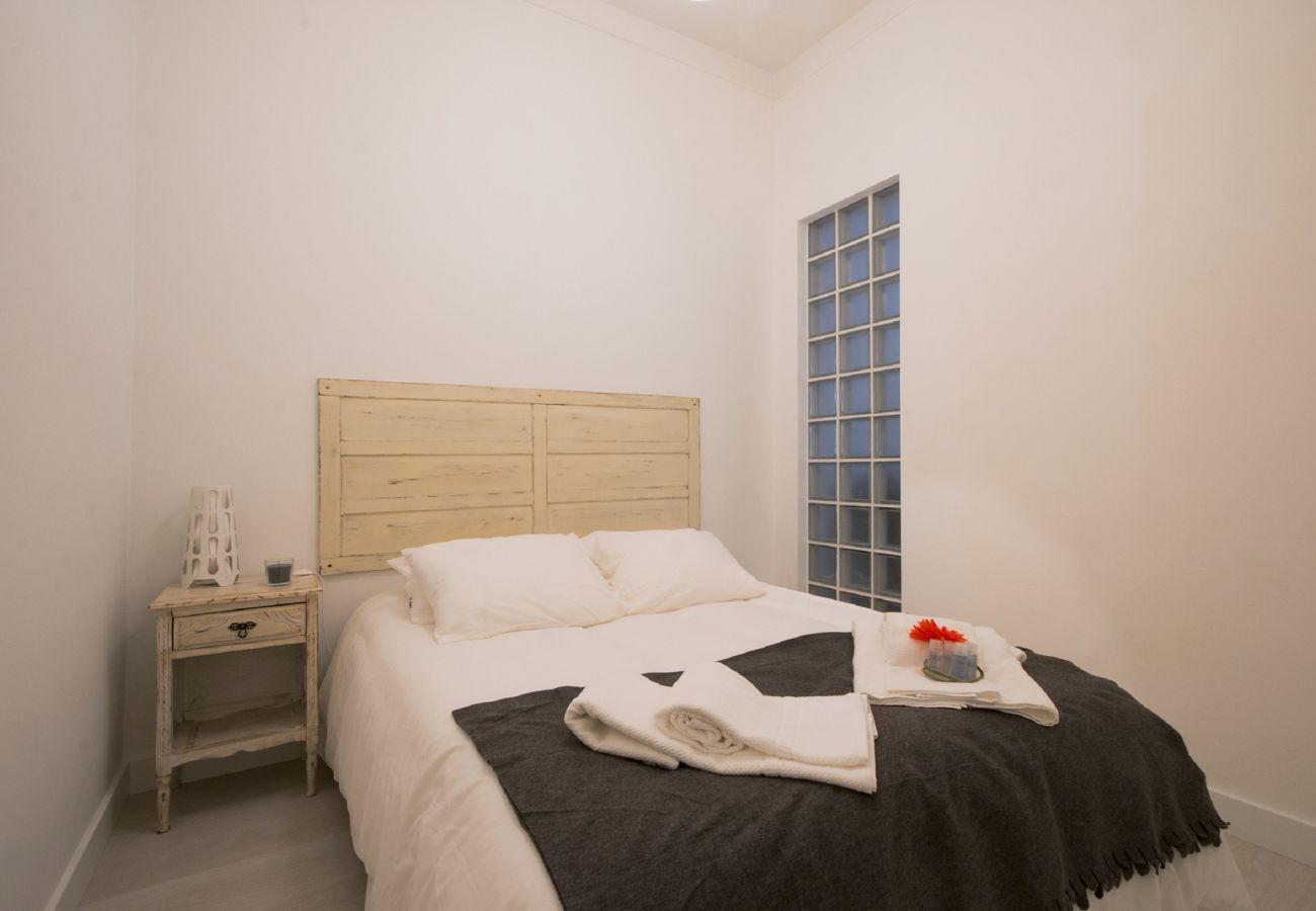 Apartamento para alugar em Alcantara-Lisboa com quarto de casal