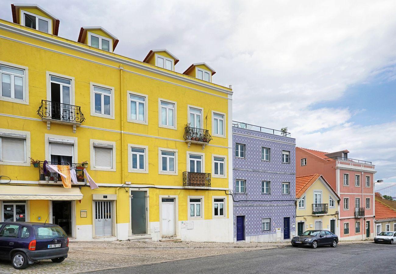 2ª andar com 2 quartos, sala e zona refeições em Belem | GT House