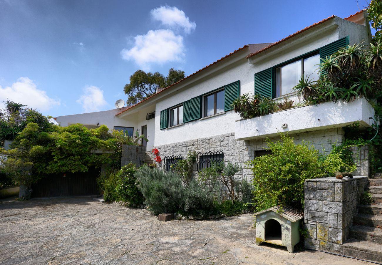 Vista da Casa da Rampa na zona de  Sintra | Alojamento local