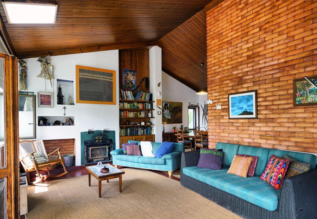 Fantástica sala de estar na região de Sintra | Alojamento Local