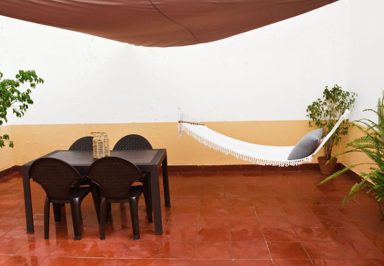 Apartamento com terraço para alugar na zona de Belém-Junqueira