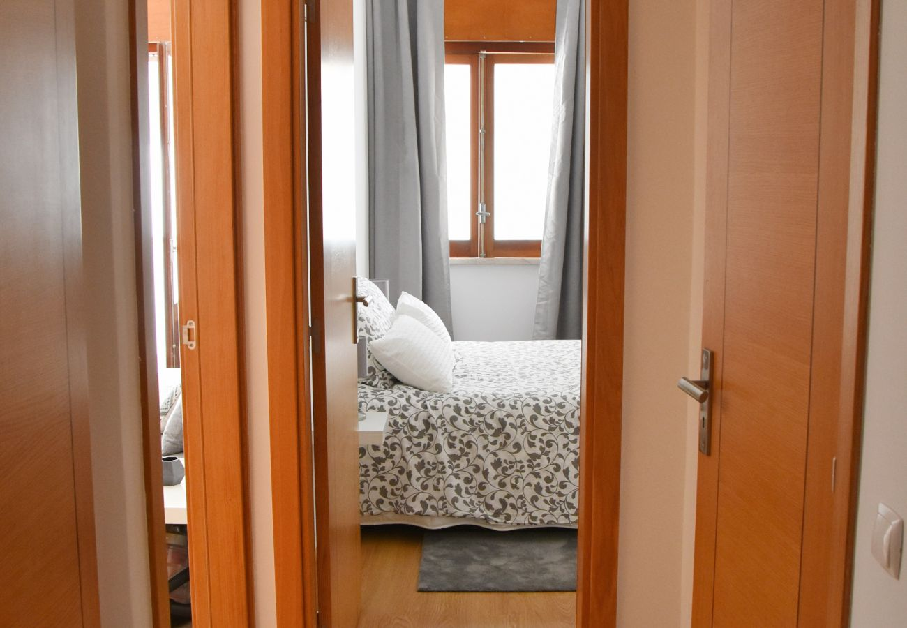 Quarto confortavel cama de casal