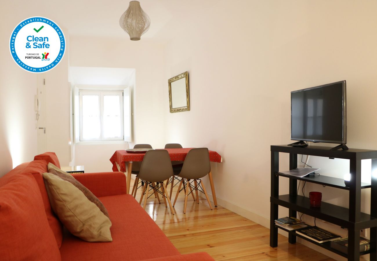 Confortável sala de estar  by GT House