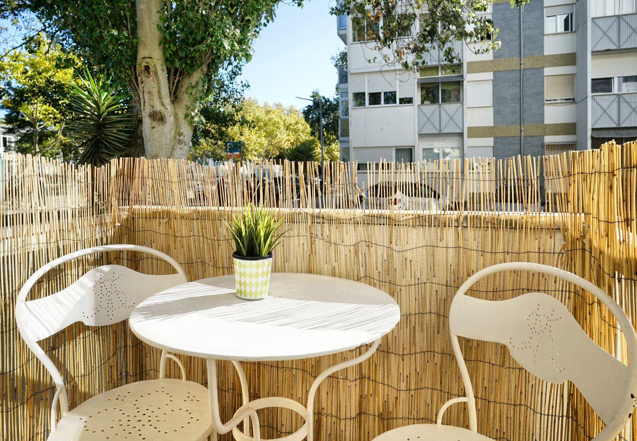 Pequena varanda | Aluguer de curta duração no Estoril
