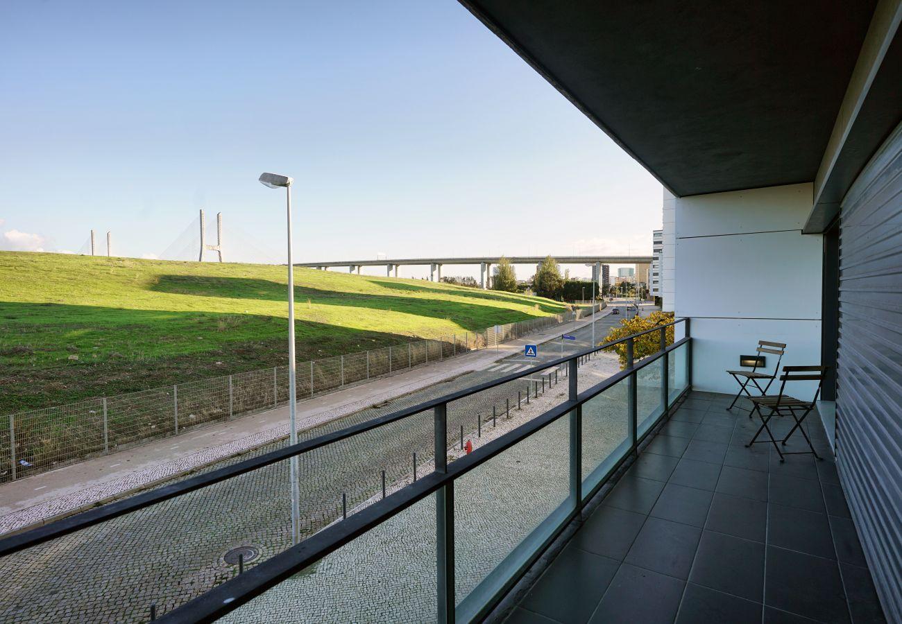 Apartamento para alugar no Parque das Nações | Vista da varanda
