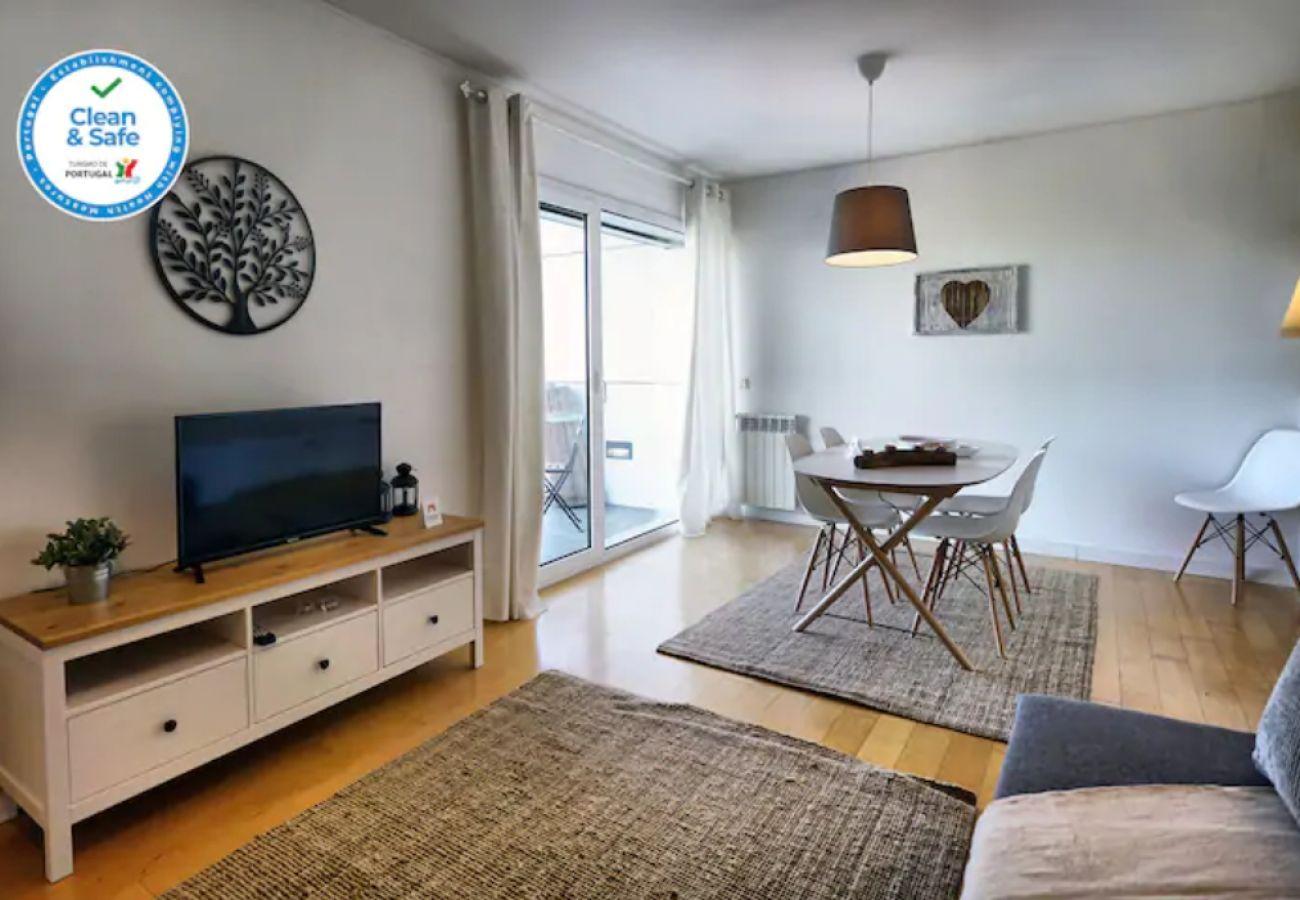 Agradável sala de estar by HT House