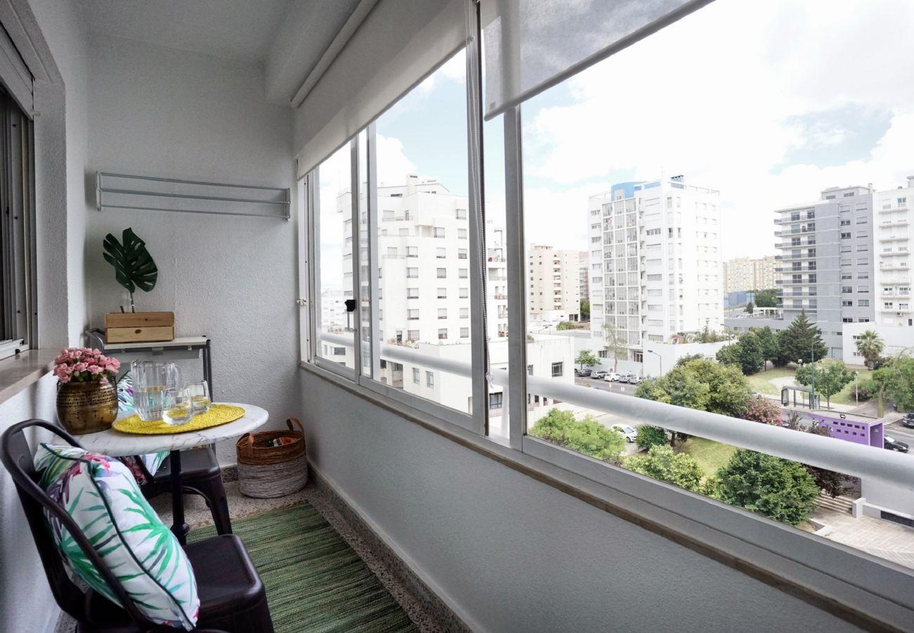 Varanda romântica em Studio para alugar em Lisboa