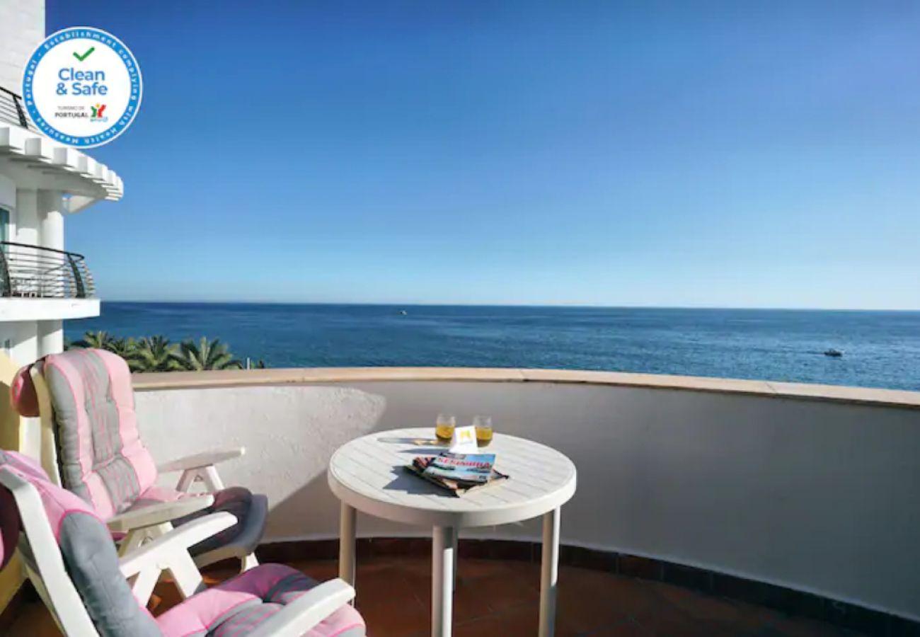 Apartamento em Sesimbra com terraço e vista maravilhosa | Alojamento Local