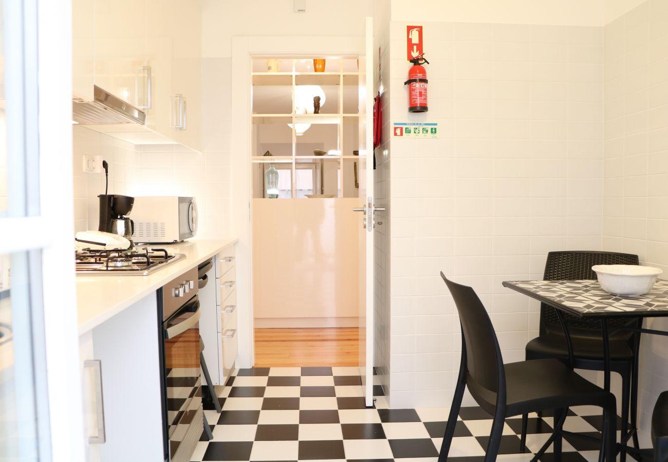 Wohnung mit unabhängiger Küche neben dem Schloss São Jorge