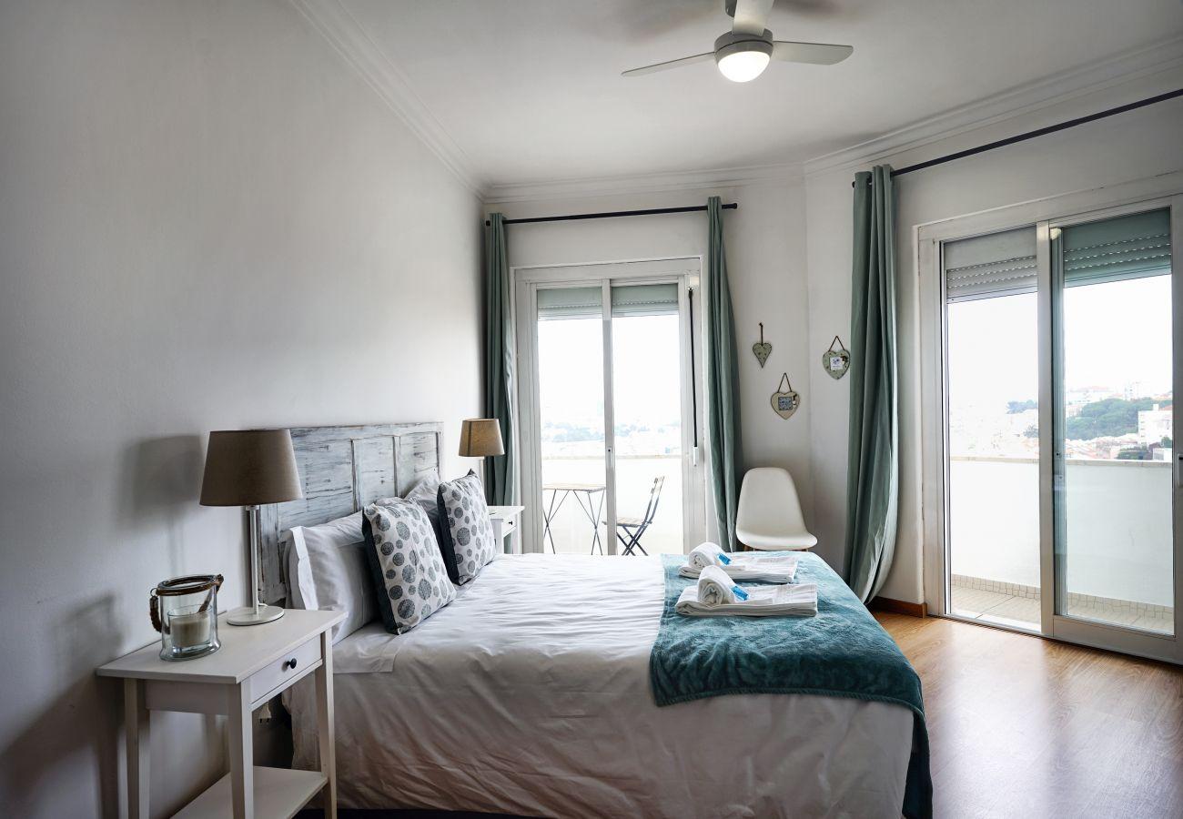 Hauptschlafzimmer mit viel Licht im Herzen des historischen Graça