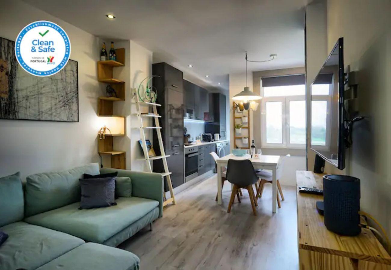 Komfortable 2-Zimmer-Wohnung auf der Expo-Lissabon