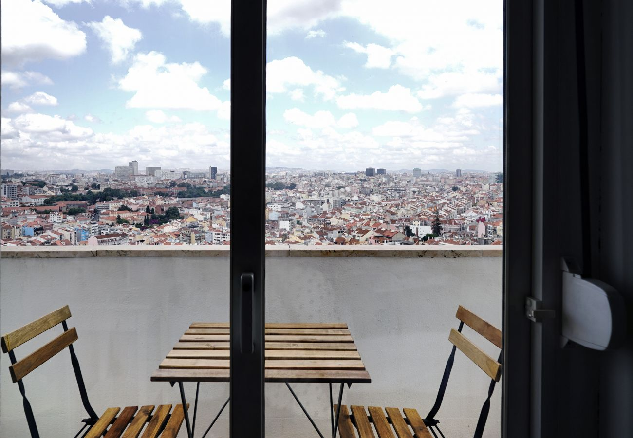 View over Lisbon in the Graça area | Short rental