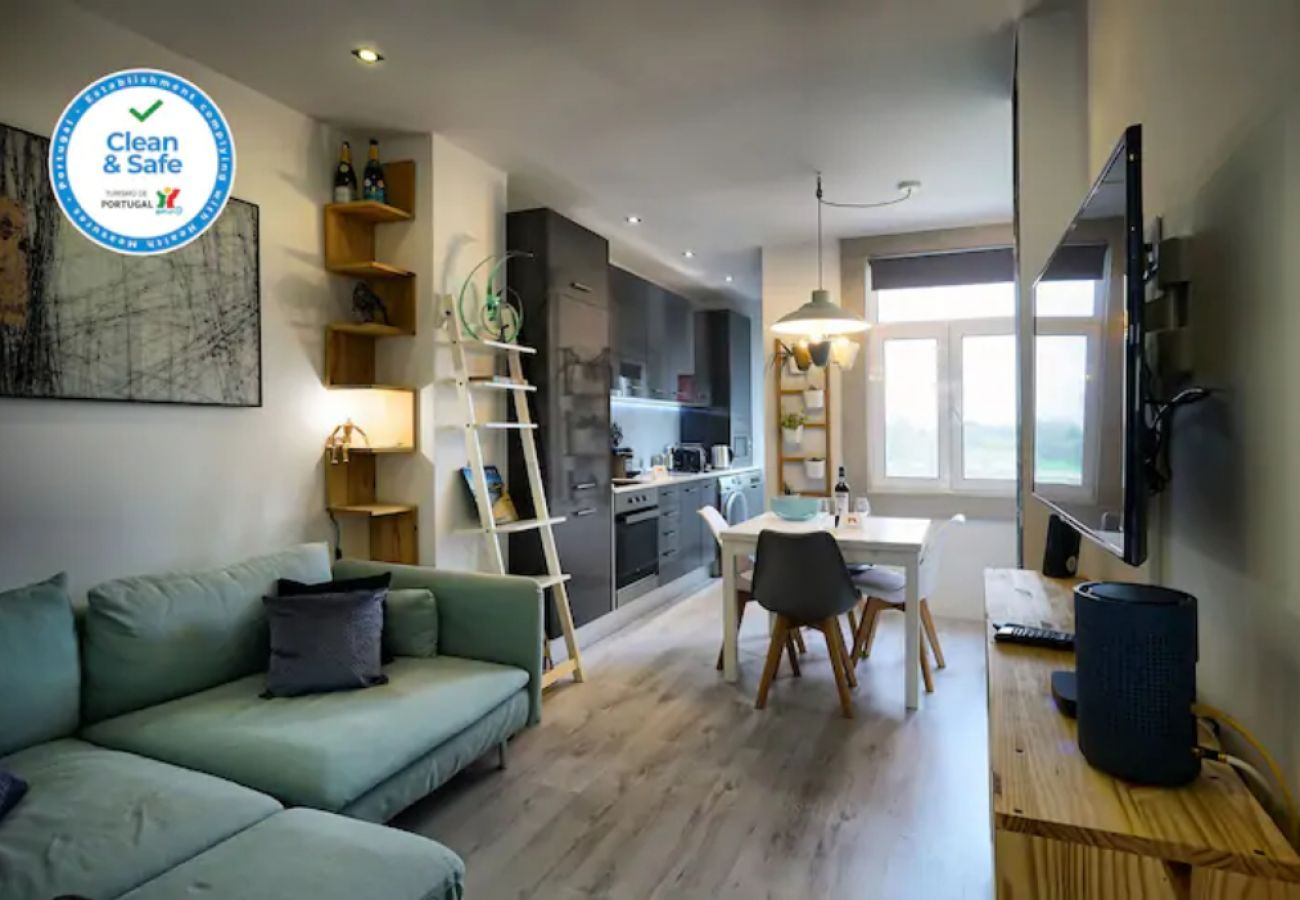 Comfortable 2 bedroom apartment at Expo-Lisbon