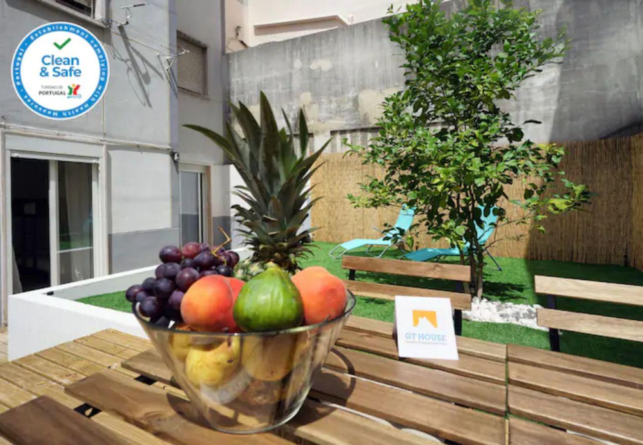 Apartamento en Queluz con terraza privada   Alquiler vacacional
