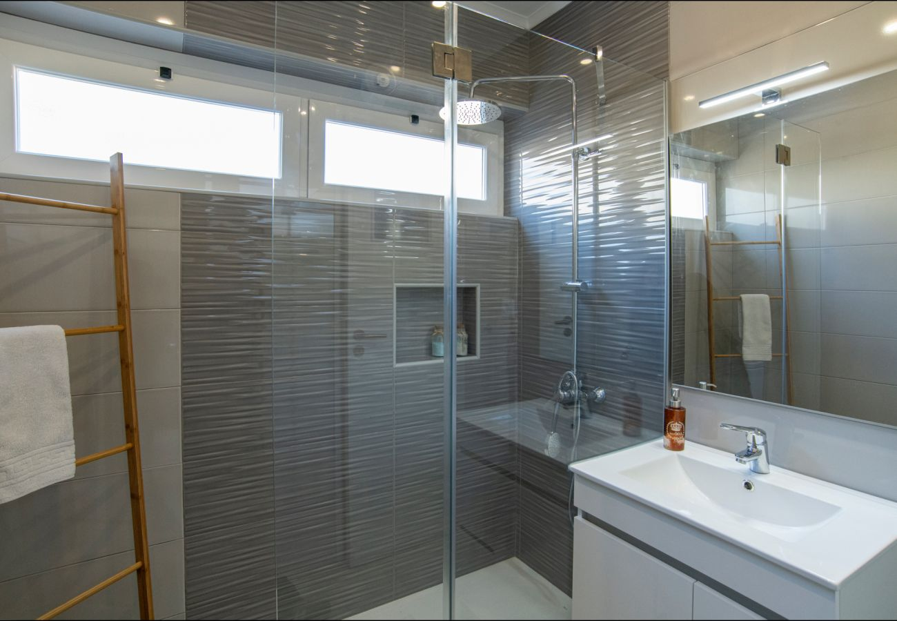 Baño moderno by GT House